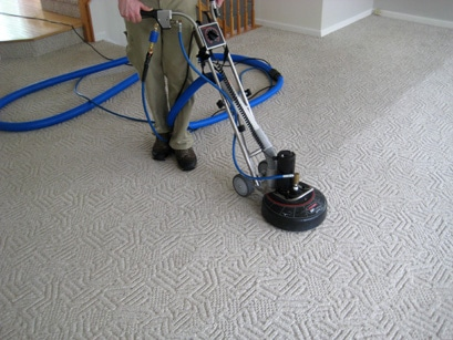 carpet-cleaning-technician