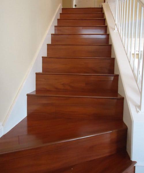 Santos-Mahogany-Laminate-Floors-On-Stairs_SM